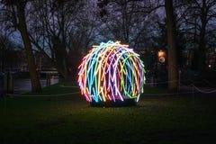 Licht Festival Amsterdam, een veelkleurig kunstvoorwerp in een park Royalty-vrije Stock Foto
