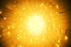Licht-Girlande, abstraktes unscharfes geführtes hellorangees beleuchtendes Bokeh Stockbild