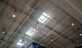 Licht lampplafond onder dak en hemellicht royalty-vrije stock foto