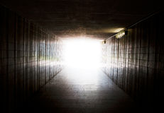 Licht op eind van tunnel royalty-vrije stock foto's