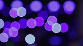 Licht toon bij de disco Bokeh van gekleurde lantaarns stock video