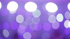 Licht toon bij de disco Bokeh van gekleurde lantaarns stock footage