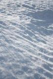 Licht und Schatten auf dem Schnee Lizenzfreie Stockfotografie