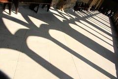 Licht und Schatten des Korridors Lizenzfreies Stockbild