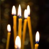 Licht van kaarsen in de kerk Royalty-vrije Stock Afbeeldingen