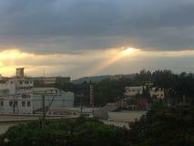 Licht von den Wolken lizenzfreies stockbild