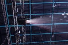 Licht von der Szene während des Konzerts Stockbilder