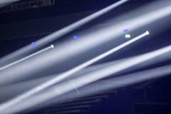 Licht von der Szene während des Konzerts Stockfotografie
