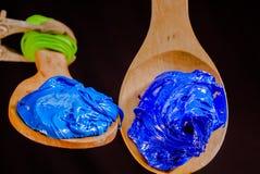 Lichtblauwe en donkerblauwe kleureninkt voor druk op T-stukoverhemd Royalty-vrije Stock Foto's