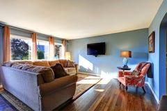 Lichtblauwe woonkamer Stock Foto's