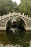 Lichtbogenbrücke des traditionellen Chinesen. stockfotografie