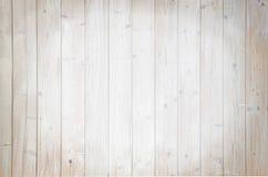 Lichtbruine houten die planken met lasura worden geschilderd Royalty-vrije Stock Foto's