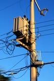 Lichte de transformator slordige draden van de pooldistributie Royalty-vrije Stock Foto