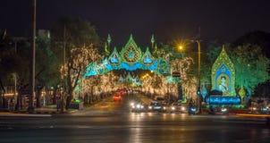 Lichte decoratie voor de viering van de Koninginverjaardag in Bangkok Royalty-vrije Stock Fotografie