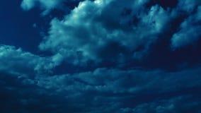 Lichte en Donkere Epische Wolken 2 Hd stock footage