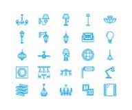 Lichte inrichting, pictogrammen van de lampen de vlakke lijn Huis en openluchtverlichtingsmateriaal - kroonluchter, muurblaker, b Royalty-vrije Stock Foto