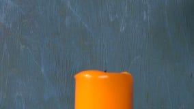 Lichte kaars met veiligheid-gelijke stock videobeelden