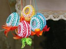 Lichte Pasen De Vakantie van Pasen Gekleurde eieren voor Pasen Decorativ Royalty-vrije Stock Foto