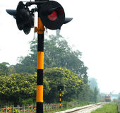 Lichte signaal en trein Stock Fotografie