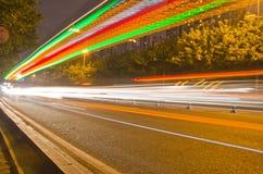 lichte sporen bij nacht Stock Foto