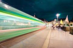 lichte sporen bij nacht Royalty-vrije Stock Afbeelding
