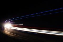 Lichte tralightslepen in tunnel Lange blootstellingsfoto in een tunel Royalty-vrije Stock Foto's