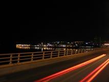 Lichte vlekken op de Brug van Road Tay, Dundee stock foto