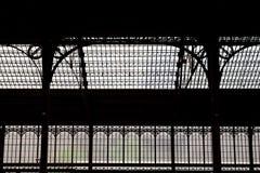 Lichten en schaduwen van de vensters van een station Royalty-vrije Stock Fotografie