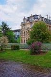 Lichtentaler Allee parkerar och floden i Baden Baden i Tyskland Royaltyfria Bilder