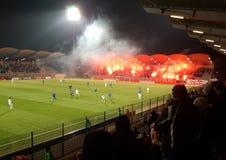 Lichter auf Fußball lizenzfreie stockfotografie