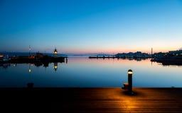 Lichter auf Hafen Stockbild