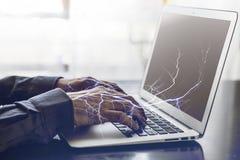 Lichter auf Laptop Lizenzfreie Stockbilder