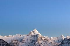 Lichter des frühen Morgens über dem Berg Ama Dablam Lizenzfreies Stockbild