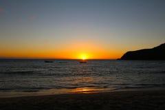 Lichter des Sonnenuntergangs in einer Tropeninsel, Fidschi stockfotografie