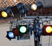 Lichter eines Nachtklubs mit farbigen Birnen Lizenzfreie Stockbilder