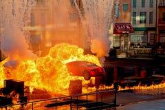 Lichter, Motoren, Aktion! Extreme Bremsungs-Show lizenzfreie stockbilder