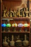 Lichter und Antiken von Souq Waqif stockfotos