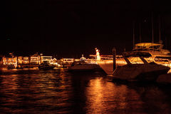 Lichterkette am Balboa-Insel-Hafen lizenzfreies stockfoto