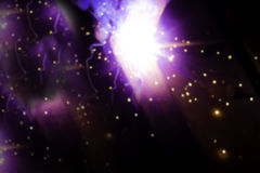 Lichtgevende abstracties als resultaat van elektrisch lassen Purpere flitsen en heldere punten Achtergrond Stock Foto's