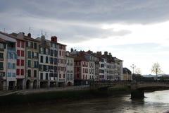 Lichtjes donkere mening van kleurrijke band van zuidoostelijk Frankrijk stock foto
