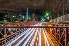 Lichtspuren - Manhattan New York Stockbild