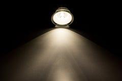 Lichtstrahl von der Taschenlampe Stockbild