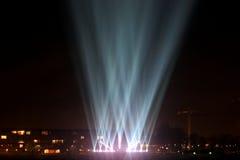 Lichtstrahlen auf der Promenade Stockfoto