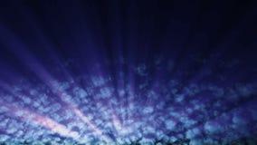 Lichtstrahlen streifen durch Zeitspannewolken - bewölken Sie FX0104 HD stock abbildung