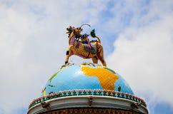 licorne à tête de dragon image libre de droits
