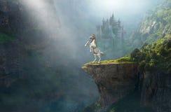 Licorne d'imagination, château en pierre médiéval image libre de droits