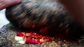 Licuadora india tradicional, manera india de moler las especias con la piedra de pulido