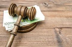 Licytatora młot Sądzi młoteczka euro banknoty obrazy royalty free