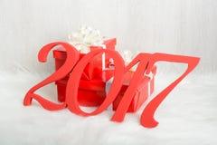 Liczba 2017 i Bożenarodzeniowi prezenty Zdjęcie Stock