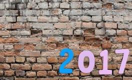 Liczba 2017 na ściana z cegieł tle Fotografia Royalty Free